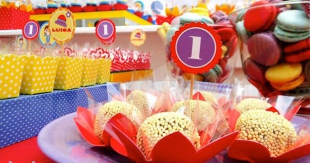 Little Clown themed 1st birthday party with So Many Fabulous Ideas via Kara's Party Ideas KarasPartyIdeas.com #clownparty #circuspartyideas #genderneutral #clowndecor #partydecor #karaspartyideas (1)