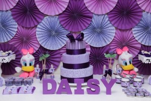 Daisy Duck themed birthday party Full of Fabulous Ideas via Kara's Party Ideas | KarasPartyIdeas.com #DonaldDuck #Disney #PartyIdeas (19)
