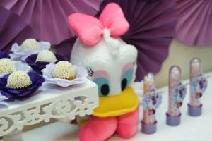 Daisy Duck themed birthday party Full of Fabulous Ideas via Kara's Party Ideas | KarasPartyIdeas.com #DonaldDuck #Disney #PartyIdeas (11)