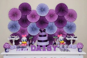 Daisy Duck themed birthday party Full of Fabulous Ideas via Kara's Party Ideas | KarasPartyIdeas.com #DonaldDuck #Disney #PartyIdeas (4)