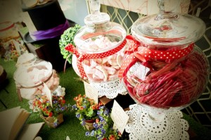 Mad Hatter Tea Party Baby Shower with SO MANY FABULOUS IDEAS via Kara's Party Ideas | KarasPartyIdeas.com #aliceinwonderland #aliceinwonderlandcookies #madhatterparty #partyideas (8)