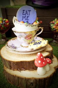 Mad Hatter Tea Party Baby Shower with SO MANY FABULOUS IDEAS via Kara's Party Ideas | KarasPartyIdeas.com #aliceinwonderland #aliceinwonderlandcookies #madhatterparty #partyideas (5)