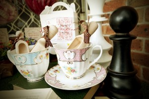 Mad Hatter Tea Party Baby Shower with SO MANY FABULOUS IDEAS via Kara's Party Ideas | KarasPartyIdeas.com #aliceinwonderland #aliceinwonderlandcookies #madhatterparty #partyideas (19)