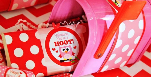 Owl Themed Valentine's Day Party with SUCH CUTE IDEAS via Kara's Party Ideas Kara Allen KarasPartyIdeas.com #owlparty #owlprintables #valentinesdayprintables #vdayparty #love #xoxo #partyideas (2)