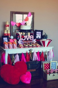 Circus themed Valentine's Day Party with Lots of Really Cute Ideas via Kara's Party Ideas KarasPartyIdeas.com #circusparty #valentinesdayparty #kidsvalentinesdayparty #valentinesdaydecor #love #xoxo #partyideas (13)