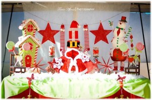 Christmas Brunch Party with Lots of Really Cute Ideas via Kara's Party Ideas Cake, decor, cupcakes, games and more! KarasPartyIdeas.com #christmas #christmasparty #partyideas #partydecor (6)