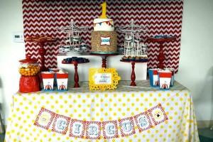 Circus Carnival Themed 1st Birthday Party Full of Fabulous Ideas via Kara's Party Ideas KarasPartyIdeas.com #circusparty #carnivalparty #bigtopcircusparty #partydecor #partyideas (12)