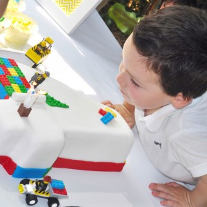 Lego themed birthday party with Such Awesome Ideas via Kara's Party Ideas | Cake, decor, cupcakes, games and more! KarasPartyIdeas.com #LegoParty #legos #legocake #partyideas #partydecor (14)