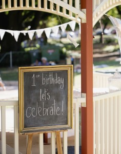 Vintage Quaint 1st birthday party Full of Cute Ideas via Kara's Party Ideas KarasPartyIdeas.com #vintagebirthdayparty #firstbirthday #partyideas #partydecor (15)
