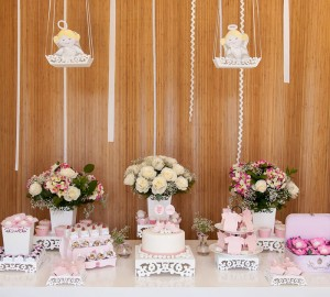 Spring Garden Baby Shower with Lots of Really Cute Ideas via Kara's Party Ideas KarasPartyIdeas.com #springparty #gardenbabyshower #gardenparty #partydecor #partyideas (15)