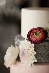 Elegant Winter Wedding with Such Gorgeous Ideas via Kara's Party Ideas KarasPartyIdeas.com #winterwedding #weddingcake #weddingideas #weddingdecor #karaspartyideas (33)