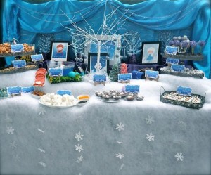 Frozen inspired birthday party full of cute ideas via Kara's Party Ideas | KarasPartyIdeas.com #frozenparty #frozen #frozenpartyideas #partydecor #partyplanning #partystyling #partyideas (4)