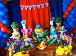 Galinha Pintadinha themed birthday party with Lots of Really Fun Ideas via kara's party ideas! full of decorating ideas, dessert, cake, cupcakes, favors and more! KarasPartyIdeas.com #galinhapintadinhaparty #galinhapintadinha #partyideas #partydecor #partystyling (13)