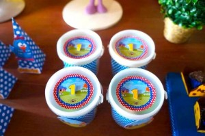 Galinha Pintadinha themed birthday party with Lots of Really Fun Ideas via kara's party ideas! full of decorating ideas, dessert, cake, cupcakes, favors and more! KarasPartyIdeas.com #galinhapintadinhaparty #galinhapintadinha #partyideas #partydecor #partystyling (7)