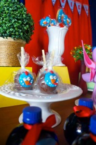 Galinha Pintadinha themed birthday party with Lots of Really Fun Ideas via kara's party ideas! full of decorating ideas, dessert, cake, cupcakes, favors and more! KarasPartyIdeas.com #galinhapintadinhaparty #galinhapintadinha #partyideas #partydecor #partystyling (3)