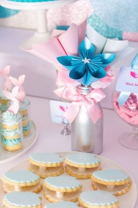 Mermaid in the Ocean themed birthday party with So Many CUTE IDEAS via Kara's Party Ideas Kara's Party Ideas | Cake, decor, cupcakes, games and more! KarasPartyIdeas.com #mermaid #mermaidparty #mermaidcake #underthedsea #oceanparty #mermaidpartyideas #partydecor (7)