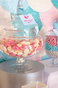 Mermaid in the Ocean themed birthday party with So Many CUTE IDEAS via Kara's Party Ideas Kara's Party Ideas | Cake, decor, cupcakes, games and more! KarasPartyIdeas.com #mermaid #mermaidparty #mermaidcake #underthedsea #oceanparty #mermaidpartyideas #partydecor (6)