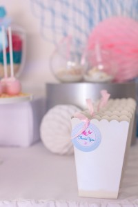 Mermaid in the Ocean themed birthday party with So Many CUTE IDEAS via Kara's Party Ideas Kara's Party Ideas | Cake, decor, cupcakes, games and more! KarasPartyIdeas.com #mermaid #mermaidparty #mermaidcake #underthedsea #oceanparty #mermaidpartyideas #partydecor (14)