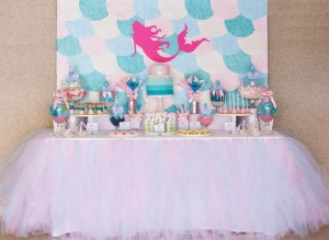 Mermaid in the Ocean themed birthday party with So Many CUTE IDEAS via Kara's Party Ideas Kara's Party Ideas | Cake, decor, cupcakes, games and more! KarasPartyIdeas.com #mermaid #mermaidparty #mermaidcake #underthedsea #oceanparty #mermaidpartyideas #partydecor (13)
