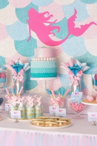 Mermaid in the Ocean themed birthday party with So Many CUTE IDEAS via Kara's Party Ideas Kara's Party Ideas | Cake, decor, cupcakes, games and more! KarasPartyIdeas.com #mermaid #mermaidparty #mermaidcake #underthedsea #oceanparty #mermaidpartyideas #partydecor (12)