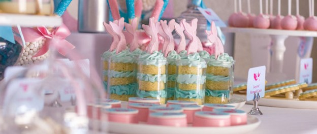 Mermaid in the Ocean themed birthday party with So Many CUTE IDEAS via Kara's Party Ideas Kara's Party Ideas | Cake, decor, cupcakes, games and more! KarasPartyIdeas.com #mermaid #mermaidparty #mermaidcake #underthedsea #oceanparty #mermaidpartyideas #partydecor (1)
