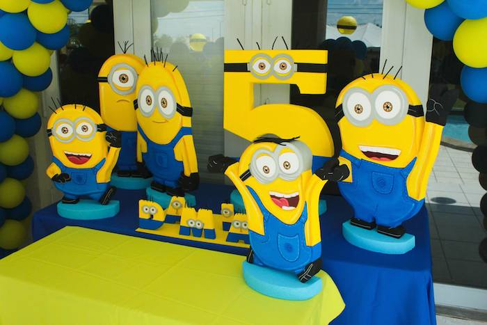 Karas Party Ideas Despicable Me Minion themed birthday party with
