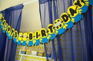 Despicable Me Minion themed birthday party via Kara's Party Ideas | Games, decor, cakes, party supplies, and MORE! KarasPartyIdeas,com #minionparty #minions #despicableme #despicablemeparty #partyplaning #partyideas #partystlying #partydecor (4)