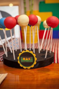 Ninjago themed birthday party with Lots of Really Fun Ideas via Kara's Party Ideas Kara's Party Ideas | Cake, decor, cupcakes, games and more! KarasPartyIdeas.com #ninjaparty #ninjagoparty #legoparty #legopartyideas #ninjago #boyparty #partyideas (36)