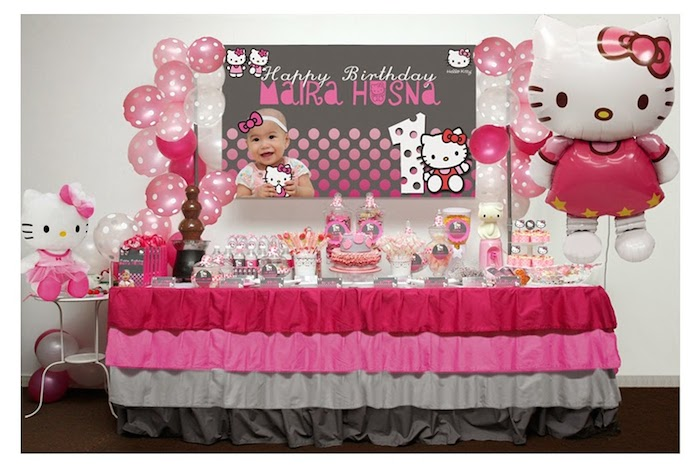 kara 39 s party ideas pink and grey hello kitty themed birthday party via kara s party ideas. Black Bedroom Furniture Sets. Home Design Ideas