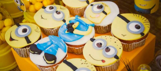 Minion themed birthday party with So Many Fabulous Ideas via Kara's Party Ideas! Full of decorating tips, cupcakes, favors, printables, and MORE! KarasPartyIdeas.com #minion #minionparty #partydecor #partyideas #eventstyling (1)