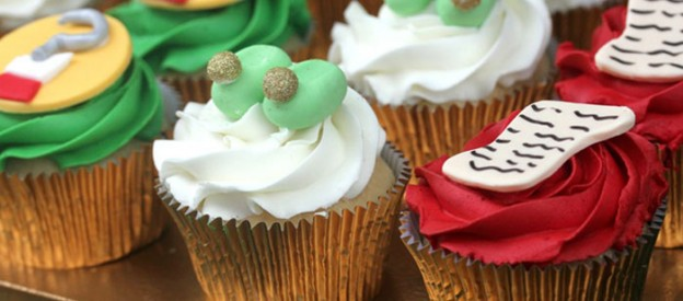 Peter Pan themed birthday party with Such Cute Ideas via Kara's Party Ideas! full of decorating ideas, dessert, cake, cupcakes, favors and more! KarasPartyIdeas.com #peterpan #peterpanparty #partyideas #partydecor #partystyling #partydesign (1)