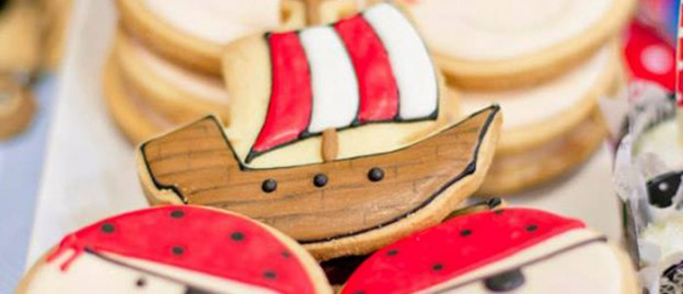 Pirate themed birthday party with Lots of REALLY CUTE IDEAS via Kara's Party Ideas | Cake, decor, recipes, favors, printables, games, and MORE! #pirates #pirateparty #treasurechest #partyplanning #partystyling (1)