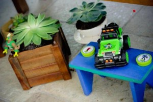 Ben 10 themed birthday party with Lots of Really Fun Ideas via Kara's Party Ideas! Full of decorating ideas, cakes, cupcakes, favors, printables, desserts, and MORE! #ben10 #benten #cartoonnetwork #partydecor #partystyling #eventplannign #partyplanner (12)