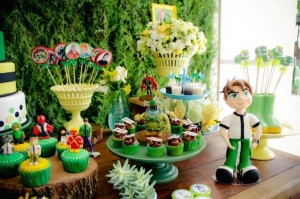 Ben 10 themed birthday party with Lots of Really Fun Ideas via Kara's Party Ideas! Full of decorating ideas, cakes, cupcakes, favors, printables, desserts, and MORE! #ben10 #benten #cartoonnetwork #partydecor #partystyling #eventplannign #partyplanner (10)