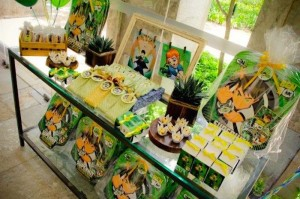 Ben 10 themed birthday party with Lots of Really Fun Ideas via Kara's Party Ideas! Full of decorating ideas, cakes, cupcakes, favors, printables, desserts, and MORE! #ben10 #benten #cartoonnetwork #partydecor #partystyling #eventplannign #partyplanner (7)