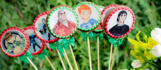 Ben 10 themed birthday party with Lots of Really Fun Ideas via Kara's Party Ideas! Full of decorating ideas, cakes, cupcakes, favors, printables, desserts, and MORE! #ben10 #benten #cartoonnetwork #partydecor #partystyling #eventplannign #partyplanner (1)
