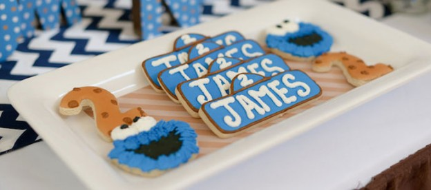 Cookie Monster themed birthday party Full of REALLY CUTE IDEAS via Kara's Party Ideas! full of decorating ideas, cakes, decor, desserts, cupcakes, favors, games, and MORE! KarasPartyIdeas.com #cookiemonster #cookiemonsterparty #sesamestreet #milkandcookies #cookiesandmilk #partystyling #partydecor #partyplanning #eventstyling (1)