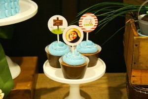 Gone Fishing themed birthday party via Kara's Party Ideas KarasPartyIdeas.com | Cupcakes, favors, recipes, desserts, and more! #fishingparty #gonefishing #partydecor #partyideas #partydesign (27)