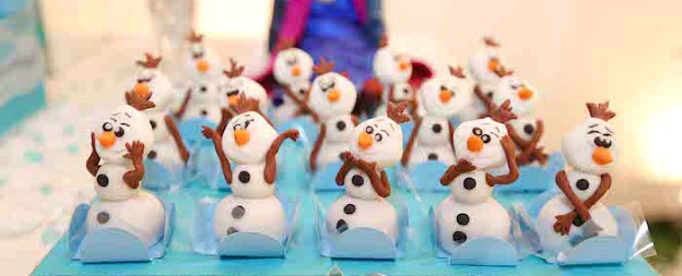 Frozen themed birthday party with Lots of Really Cute Ideas via Kara's Party Ideas! Full of decorating ideas, cakes, favors, cupcakes, recipes, games, and MORE! KarasPartyIdeas.com #frozen #frozenparty #olaf #snowman #partyideas #partydecor #eventplanning #partystyling (1)
