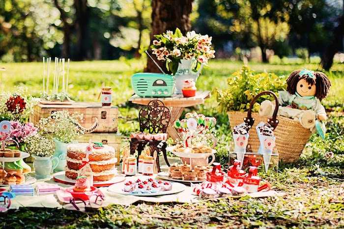 Kara 39 s party ideas summer picnic themed birthday party via for Decoration theme jardin