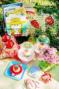 Summer Picnic themed birthday party with So Many Cute Ideas via Kara's Party Ideas | Cake, decor, favors, games, and more! KarasPartyIdeas.com #picnic #picnicparty #partyideas #partyplanning #partydecor #partydesign (11)