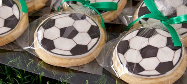 World Cup Soccer themed birthday party with Lots of Fun Ideas via Kara's Party Ideas | KarasPartyIdeas.com #worldcup #soccerparty #soccerbirthdayparty #partydecor #partyplanning #partyideas (2)