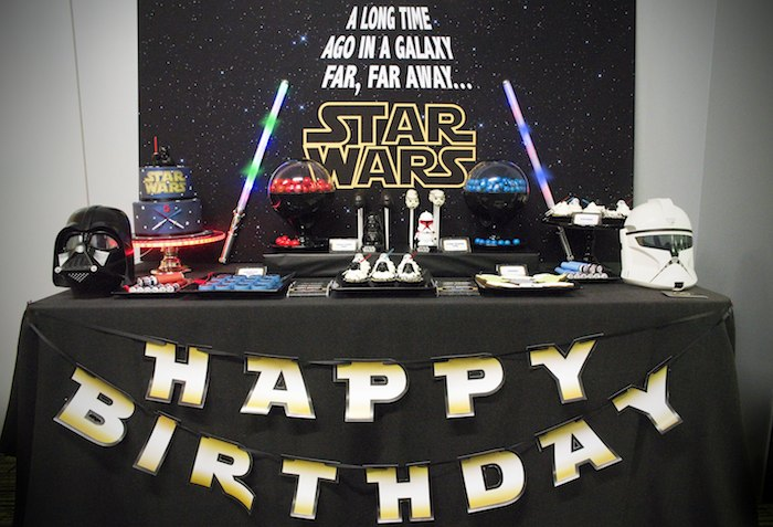 Kara 39 s party ideas star wars themed birthday party via for Star wars dekoration