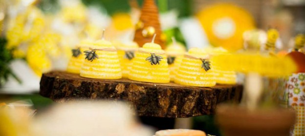 Bee themed 1st birthday party via Kara's Party Ideas KarasPartyIdeas.com #firstbirthday #beeparty #genderneutralparty #honeybee #karaspartyideas (1)