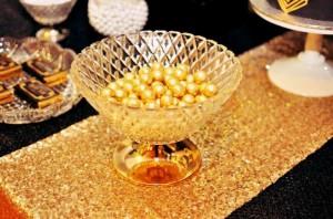 Great Gatsby themed birthday party via Kara's Party Ideas KarasPartyIdeas.com Cakes, printables, favors, desserts, and MORE! #thegreatgatsby #adultbirthdayparty #karasoartyideas (13)