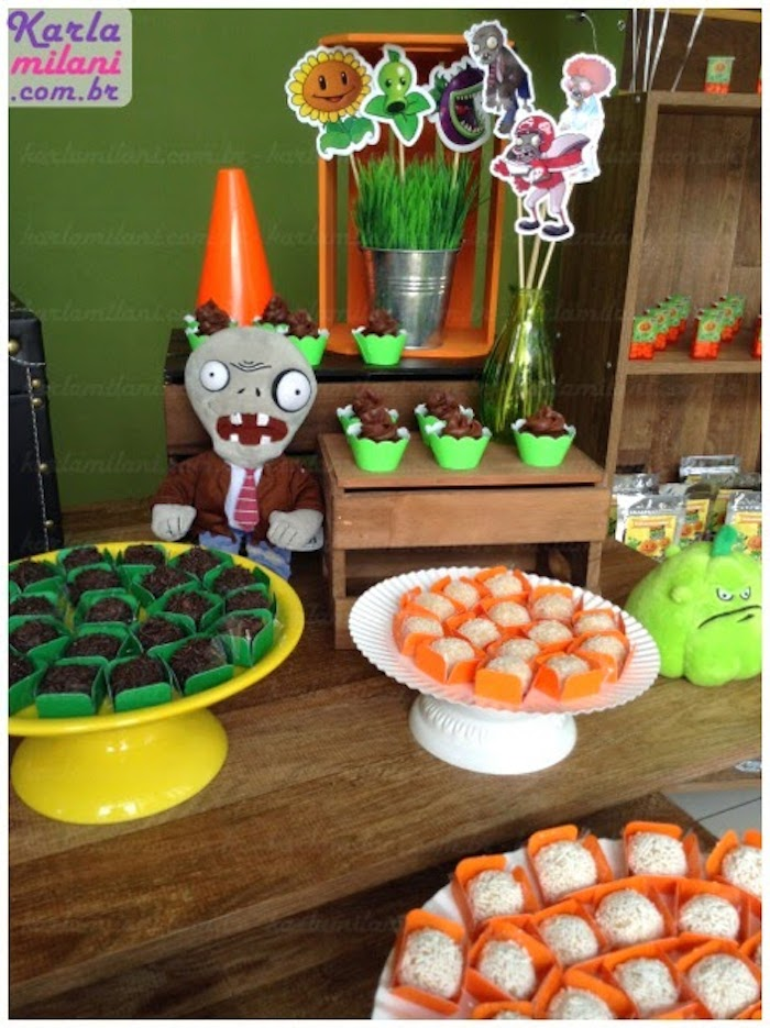 Shower decorations party favors ideas - Party Ideas Plants Vs Zombies Themed Birthday Party Via Kara S Party