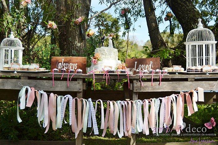 Shabby Chic Outdoor Wedding Via Kara S Party Ideas Karaspartyideas Cake Decor Printables