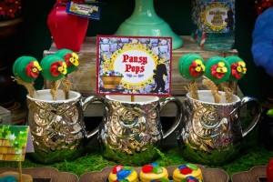 Snow White themed birthday party via Kara's Party Ideas KarasPartyIdeas.com Cake, cupcakes, invitation, supplies, games, and more! #snowwhite #snowwhiteparty #karaspartyideas (12)