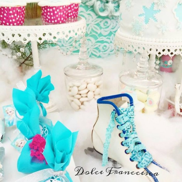Frozen themed birthday party via Kara's Party Ideas KarasPartyIdeas.com Cake, decor, printables, cupcakes, favors, recipes, etc! #frozen #frozenparty #disneysfrozen #doyouwanttobuildasnowman (18)