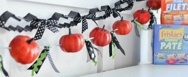 #Grumpkin Halloween Pumpkin Carving Party - DIY cookie cutter banner and pumpkin banner. Kara Allen | Kara's Party Ideas for Friskies and PetSmart